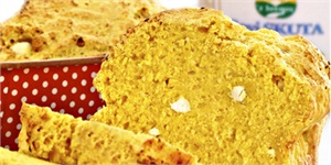 Fresh Bread with Curd Cheese and Turmeric